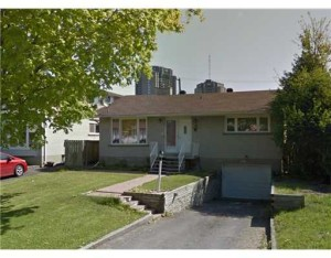 *SOLD* 1415 BELLAMY ST – Attention Investors! Income Property Near Carleton University!