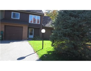 **SOLD** 80 GLEN PARK DR