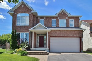 *SOLD* 142 ANNAPOLIS CIRCLE – Stunning 4 Bdrm 4 Bath Home For Sale!